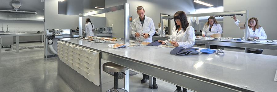 Des milliers d'orthèses fabriquées sur mesure